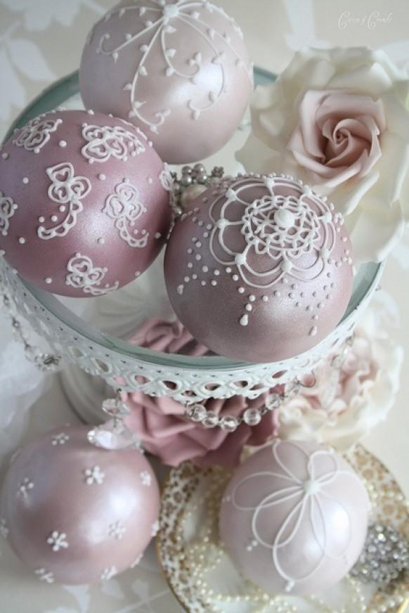 How To Decorate A Cake With Pearl Balls