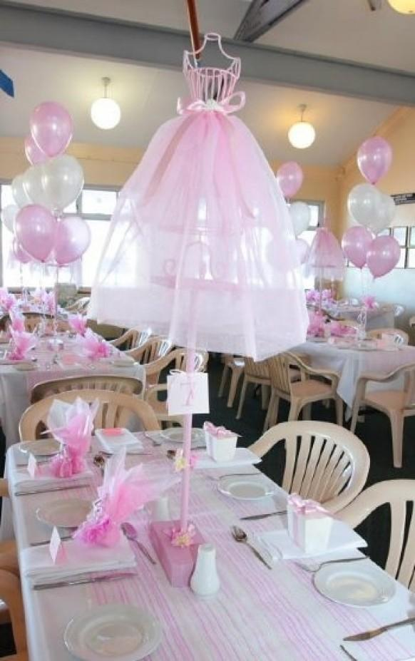 Decor wedding tables 1910620 weddbook for Ballerina party decoration