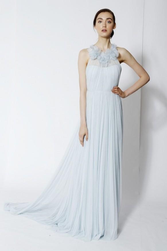 Dress trends 1926368 weddbook for Trisha yearwood wedding dress