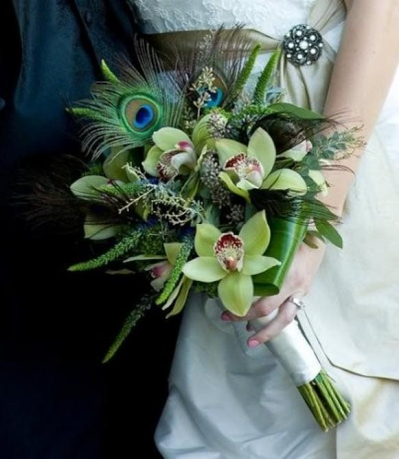 wedding photo - Peacock Feathered Wedding Bouquet ♥ Unique Green Bridal Bouquet