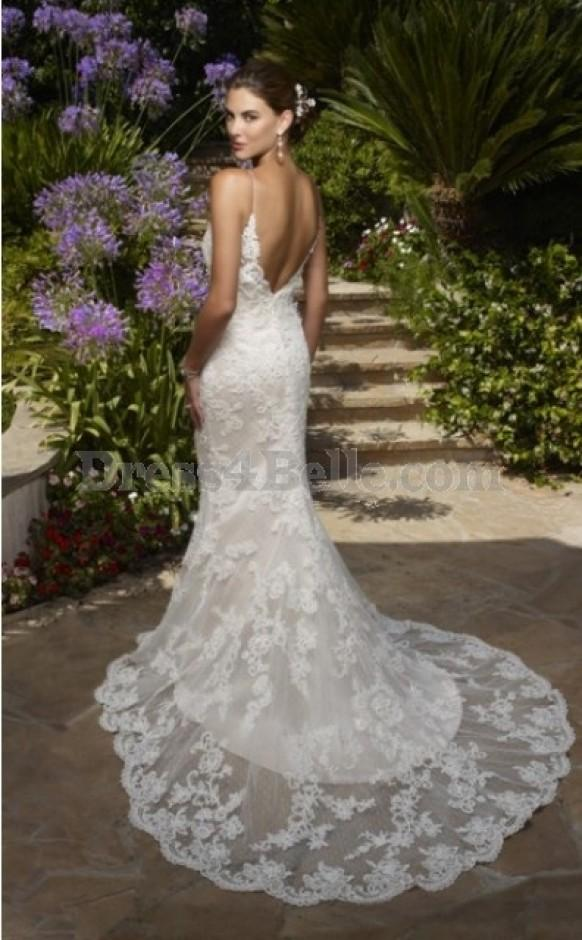 Memorable wedding lace wedding dresses add a touch of for Lace low back wedding dress