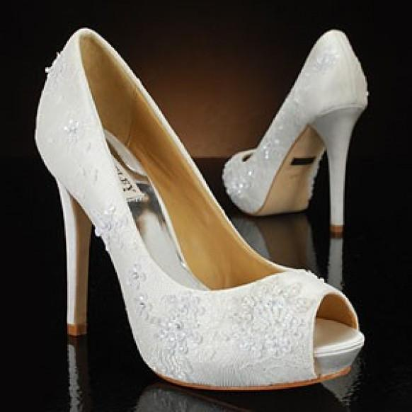 Memorable Wedding: White Wedding Shoes