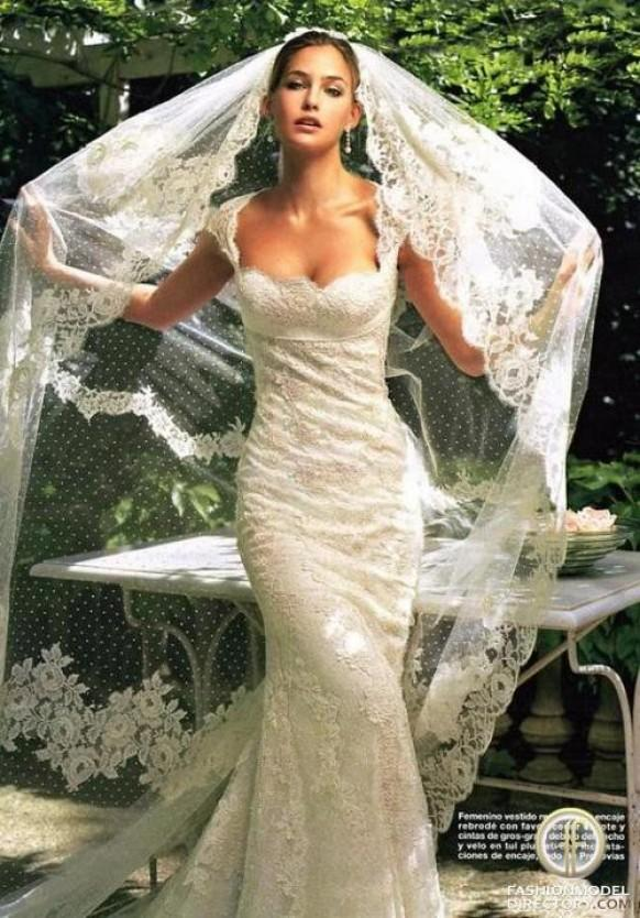 wedding photo - Lace Wedding Dress and Mantilla Veil