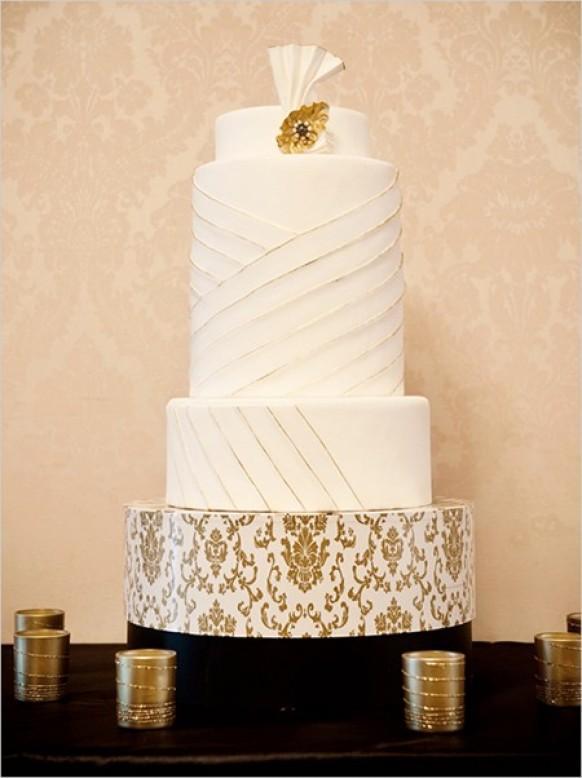 wedding photo - The Wedding Cake