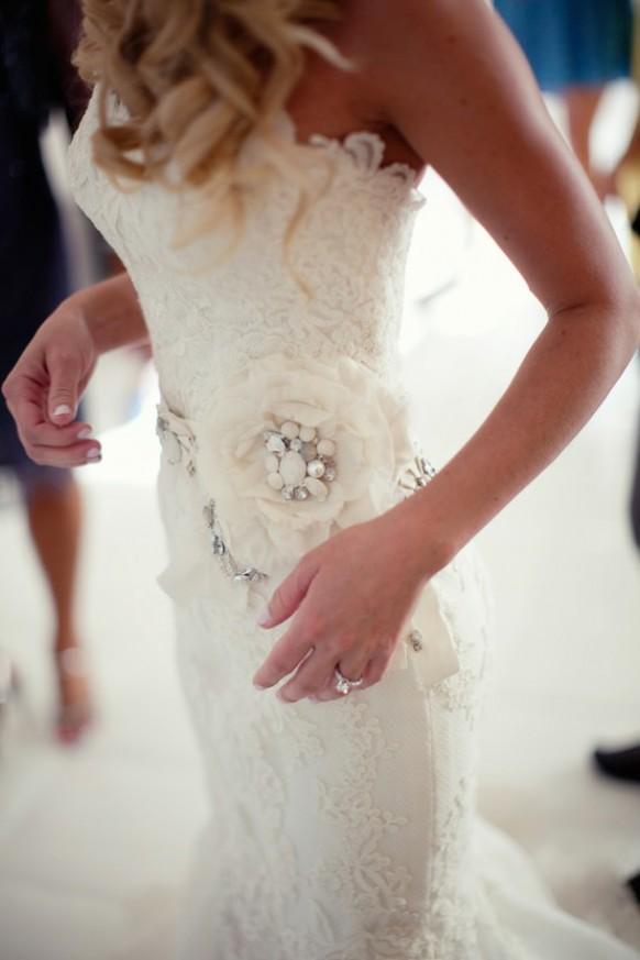اجمل فساتين زفاف انيقه للعرائس موضة 2013