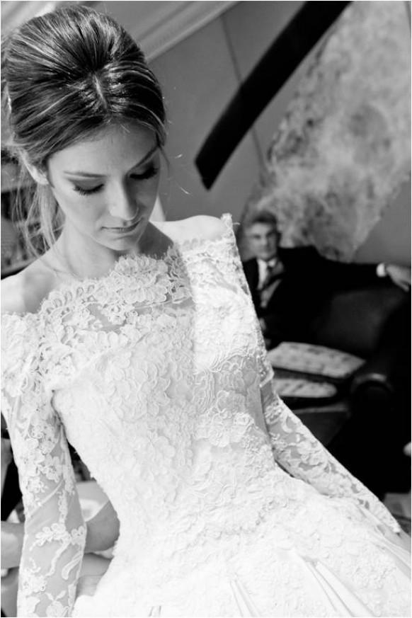 wedding photo - Кружева С Длинными Рукавами Платье ♥ Кружева Bateau Декольте Свадебное Платье ♥ Зимой Свадебные Платья