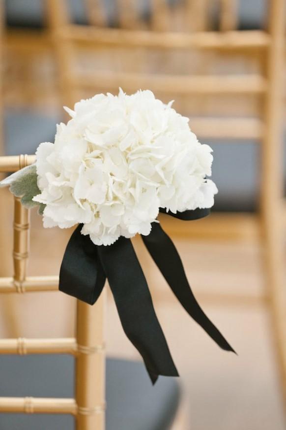 wedding photo - Black&White Wedding Aisle Decor Ideas