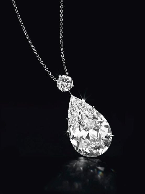 Pear Shaped Diamond Settings Necklace