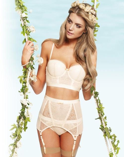 http://s4.weddbook.com/t4/1/1/2/1122734/lingerie.jpg