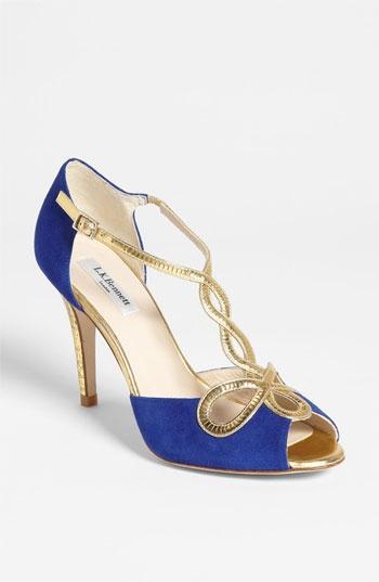 Neon Wedding - Shoes  1363829 - Weddbook 85bedf9ada