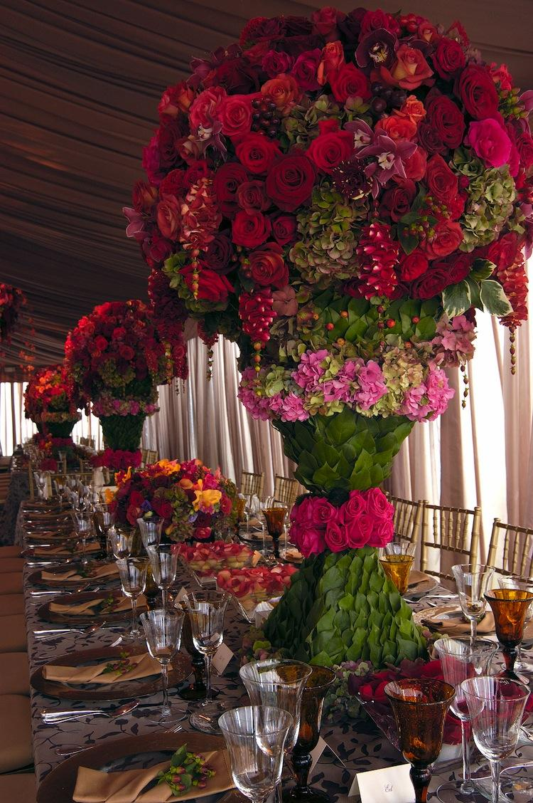Floral wedding table decoration amazing floral wedding for Floral wedding decorations ideas