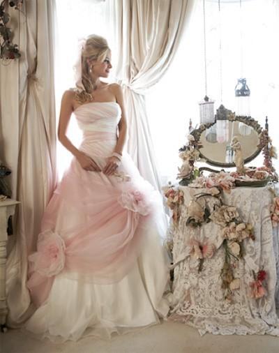 يومْ ولادتي ماطرآ wedding-dress.jpg