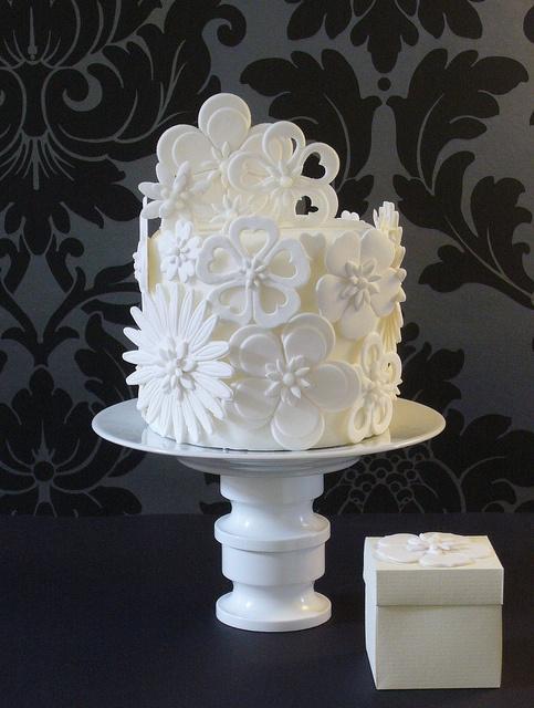 زفاف - فن لذيذ (الكيك ومعجنات)