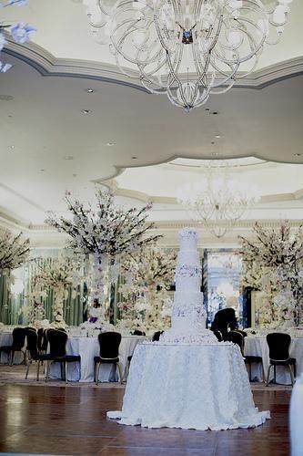 Gateau De Mariage Tres Grand Pour Le Grand Ball Room
