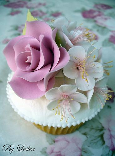 Wedding Cupcakes Rose And Apple Blossom Cupcake 1988078 Weddbook