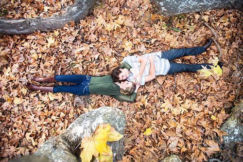 Mariage - Amour dans les feuilles