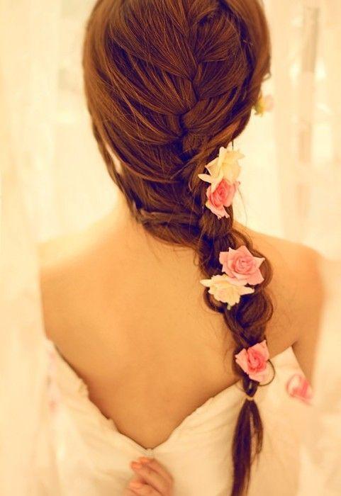 Причёска для девушки на длинные волосы своими руками