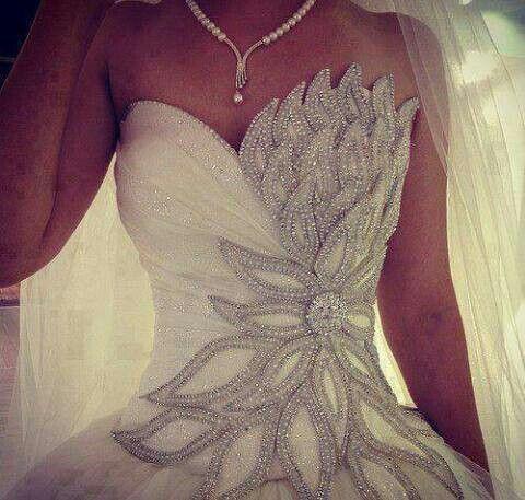 Dress pretty wedding gown 2027934 weddbook pretty wedding gown junglespirit Choice Image