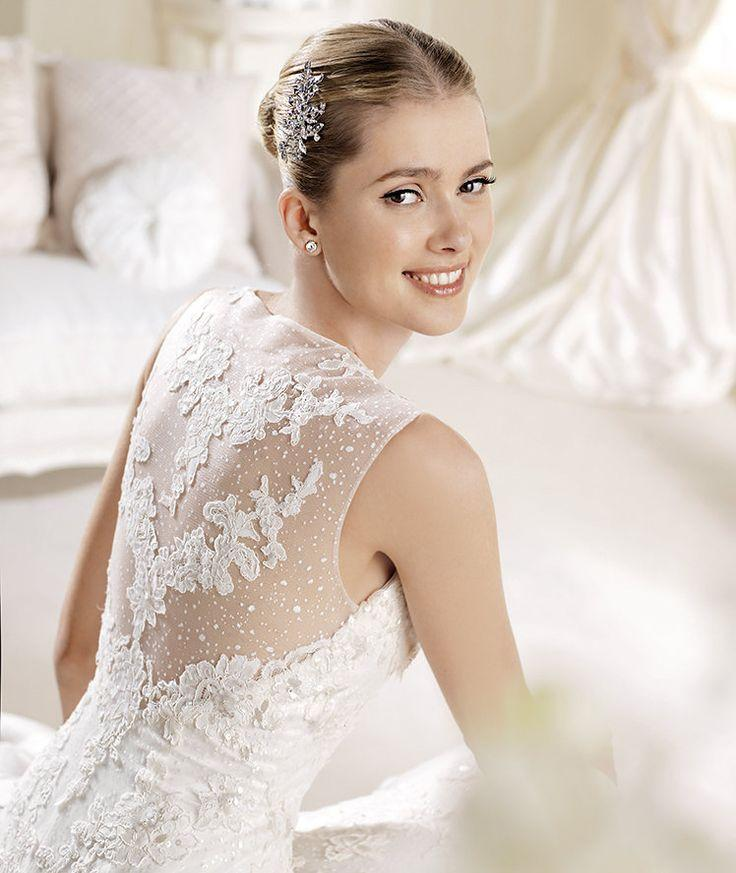 Pronovias - White Wedding Gown With Pearly Beads #2039889 - Weddbook