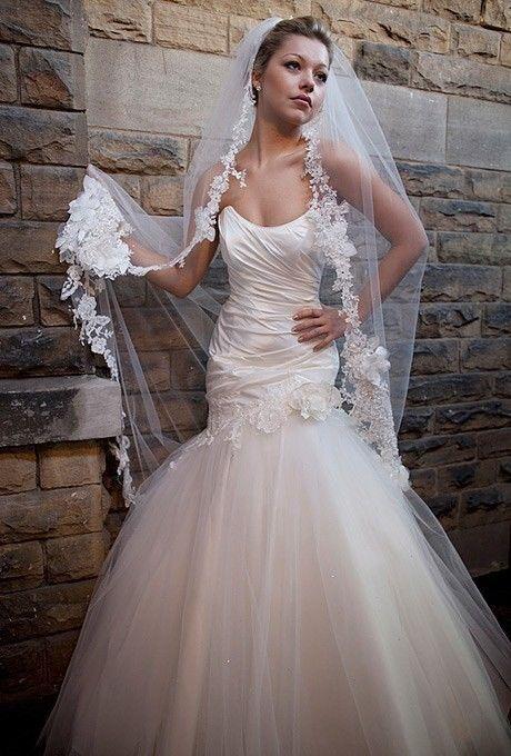 Mariage - GRATUIT VOILE sirène blanc / ivoire en satin Applique & Tull robe de mariée sur mesure Taille