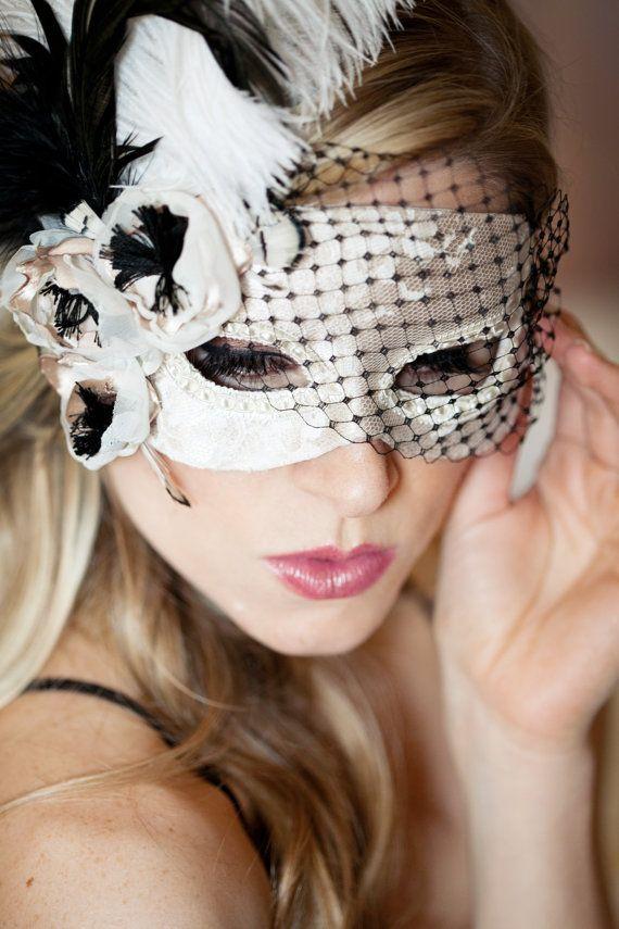 Mariage - Chaussez Anenome mascarade masque avec des plumes et voile