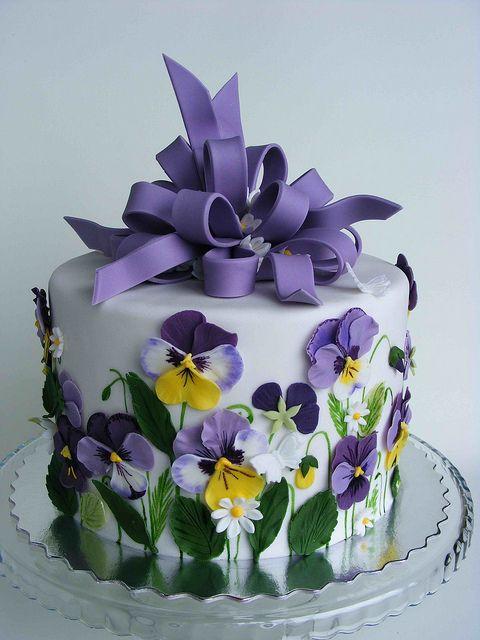 http://s4.weddbook.com/t4/2/0/5/2052006/pansies-cake-easter-wedding-pinterest.jpg
