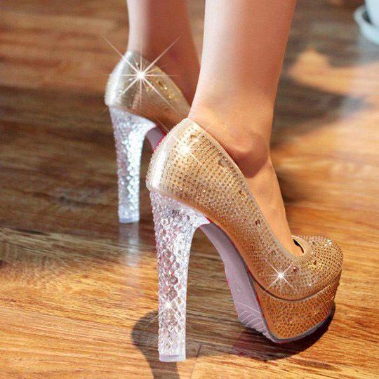 Hochzeit - Neue Prinzessin Wunderschöne Glitter Diamanten Kristall Sole Party Hochzeit Mode Schuhe