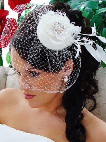 Mariage - TNO Haute Couture Ivoire nuptiale de fleur de plume de mariage perlée Hat Birdcage Veil