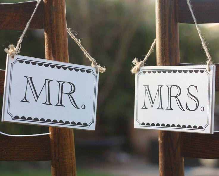 Wedding - Mr And Mrs Wedding Sign