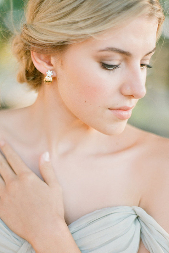 Mariage - Gold Leaf Earrings with Pearls Bridal Wedding Jewellery - New