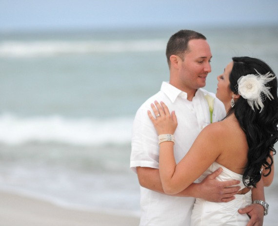 زفاف - Ivory Bridal Flower Hair clip, Wedding Hair Accessory, Fascinator, Organza, Jewel, Bridal Head Piece - New