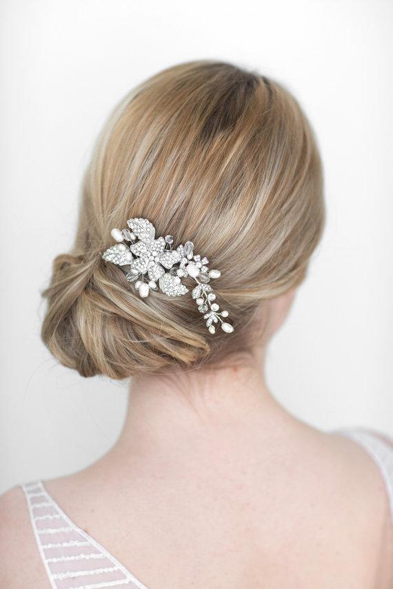 زفاف - Wedding Hair Comb,  Bridal Head Piece, Crystal and Pearl Haircomb, Wedding Hair Accessory - New