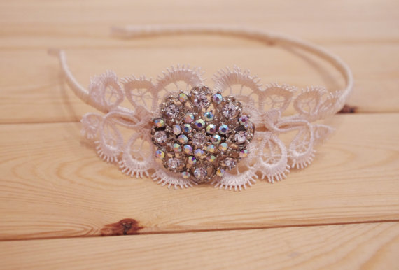 زفاف - Vintage Style Ivory Lace and Ribbon Wrapped Bridal Headband - Sparkly Rhinestone Side Tiara - New