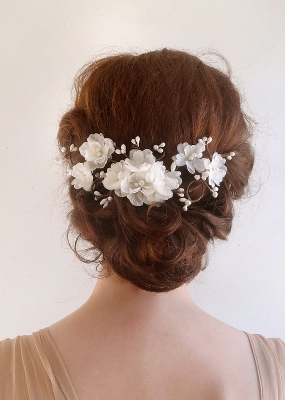 Свадьба - bridal hair comb -  white flower