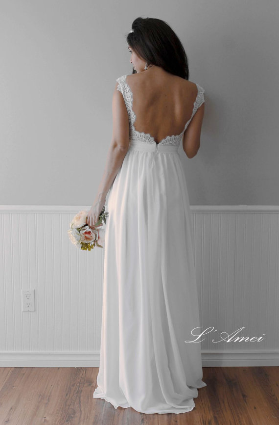Hochzeit - Romantic Backless Boho Lace Wedding Dress Great for Outdoors or Beach Wedding - New