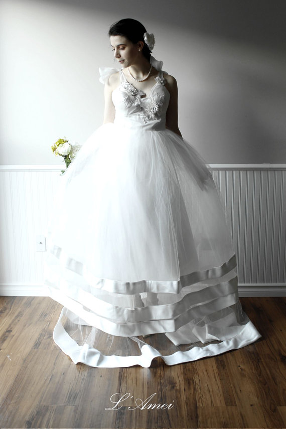 Wedding - Ivory White Lace and Tulle Wedding Dress Bridal Ball Gown in Ivory. L'Amei 2015 Collection - New