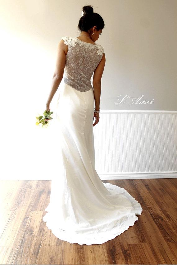 Elegant deep v neck lace wedding bridal dress gown for Deep v back wedding dress