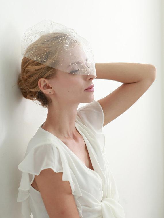 Hochzeit - Wedding veil, bridal veil, glitter veil, gold veil, blusher, face veil, mini veil - style 304 - New