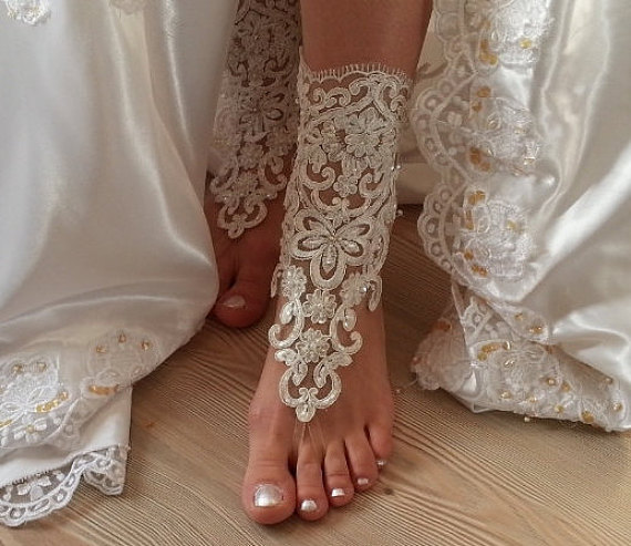 Boda - ivory  Barefoot , french lace sandals, wedding anklet, Beach wedding barefoot sandals, embroidered sandals. - New