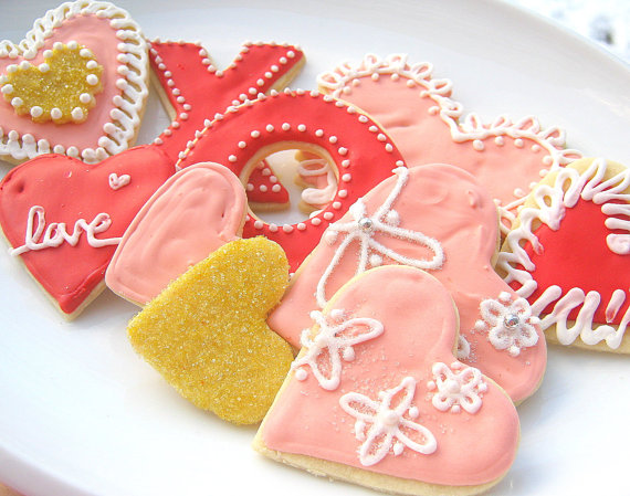 Mariage - Valentine Cookie Assortment Sugar Cookie Hearts Hugs Kisses iced Cookies - New
