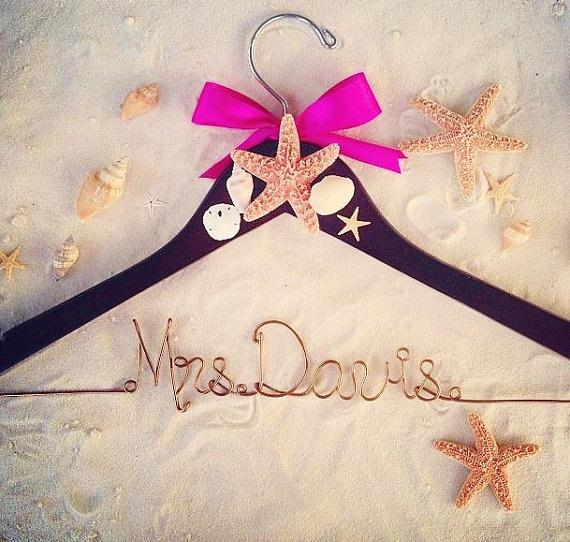 Mariage - Custom Beach Wedding Hanger, Beach Bridal Hanger, wedding hanger, Tropical Bridal Hanger, Destination wedding hanger, Starfish Hanger - New