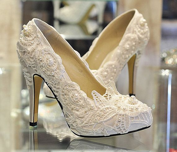 Свадьба - Lace Wedding Shoes, Pearl White Lace Daisy Bridal Shoes, Ballet Flat Shoes, High Heel, Wedding Shoes, Bridesmaid Shoes, Beaded Lace Shoes