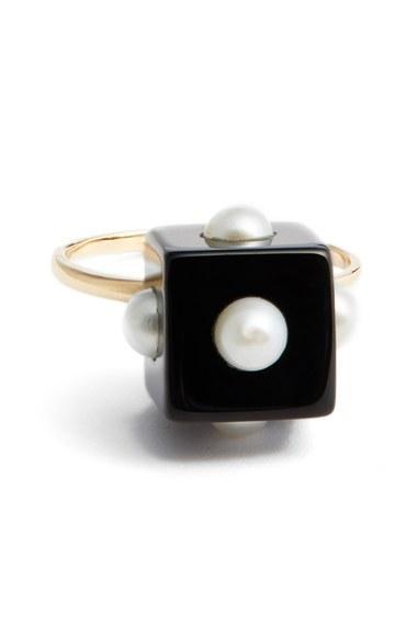 Mariage - Nektar de Stagni Onyx & Cultured Pearl Ring