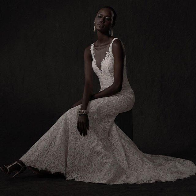 Hochzeit - Lace Wedding Gown