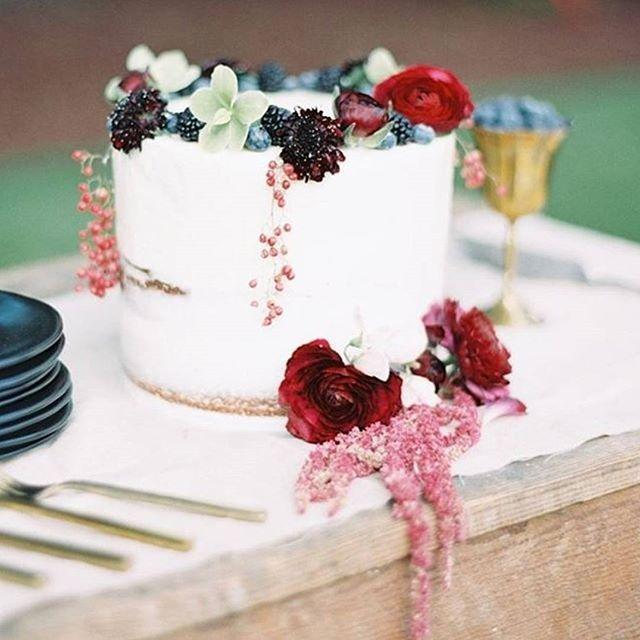 Mariage - White Wedding Cake