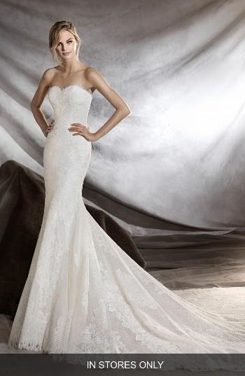 Свадьба - Pronovias Orilla Strapless Lace Tulle Mermaid Gown (In Stores Only)