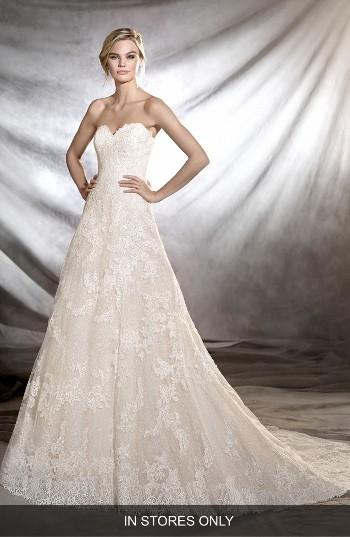 Свадьба - Pronovias Onia Strapless Lace Gown (In Stores Only)