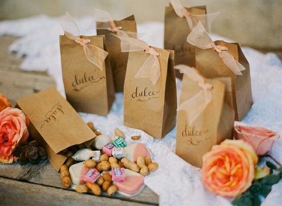 Weddbook ♥ Wedding favor ideas. DIY wedding gift ideas