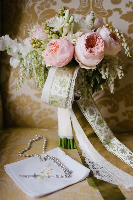 Hochzeit - Garden Rose Wedding Bouquet