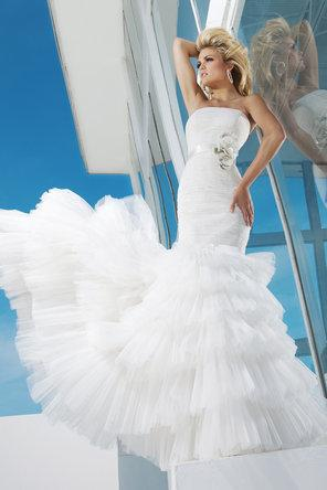 Hochzeit - Tony Bowls Bridal
